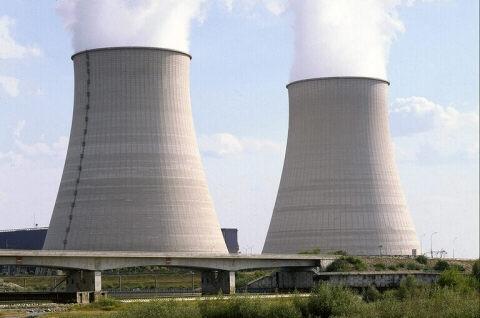 http://lenergeek.com/wp-content/uploads/2012/03/Centrale_nucleaire.jpg