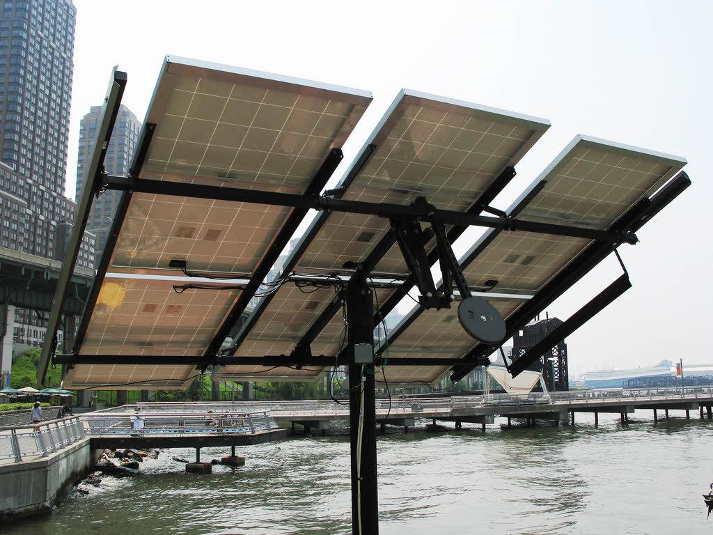 Photovolta que le suivi du soleil par tracker l 39 energeek - Liquide caloporteur panneau solaire ...