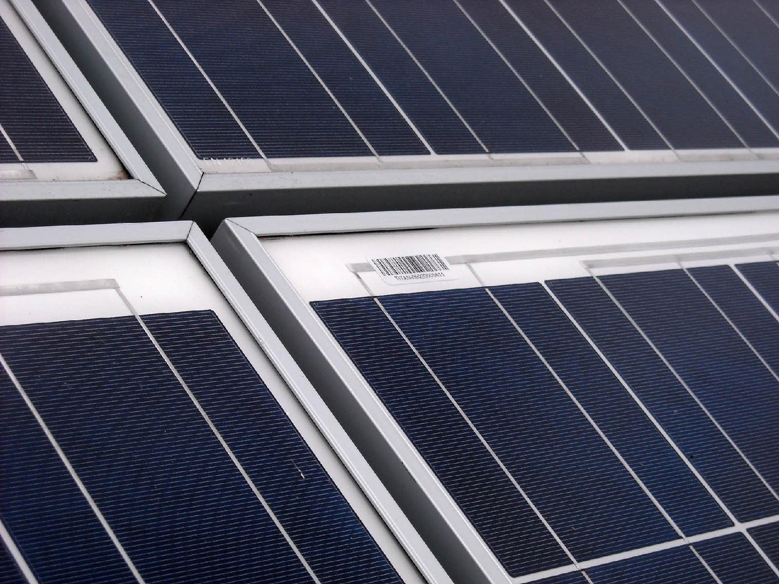m ditourbe usine nergie positive et plus grande toiture solaire industrielle de france l. Black Bedroom Furniture Sets. Home Design Ideas