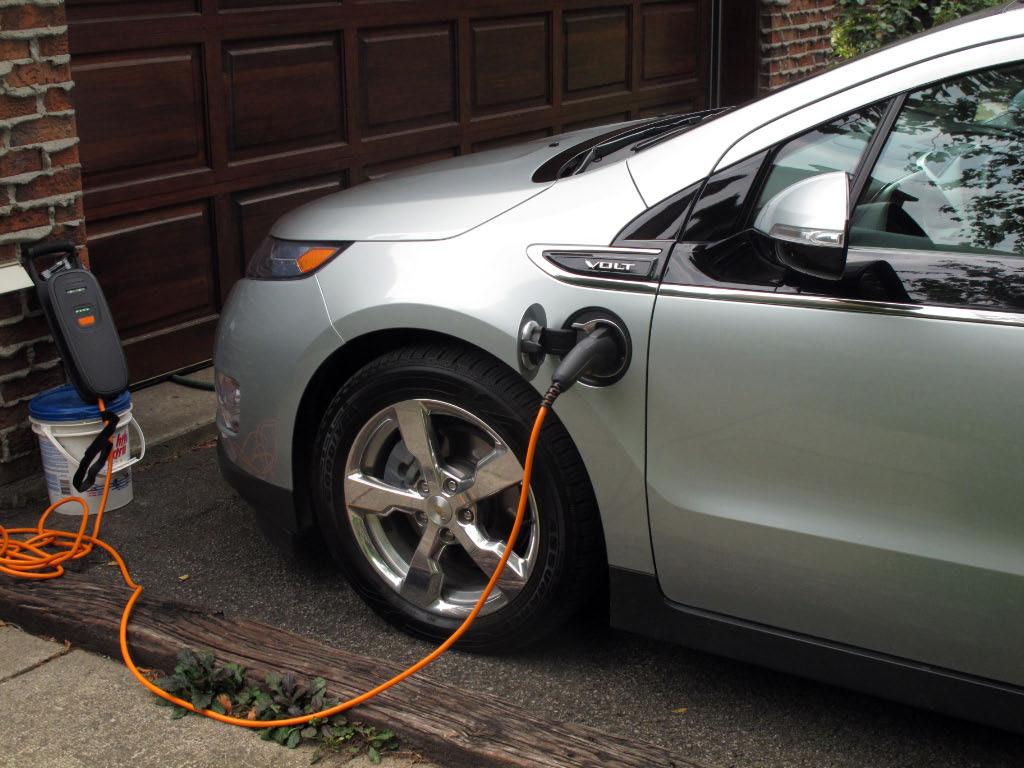 edf-vert-electrique-auto-voiture-propre-electrique-recharge-domestique