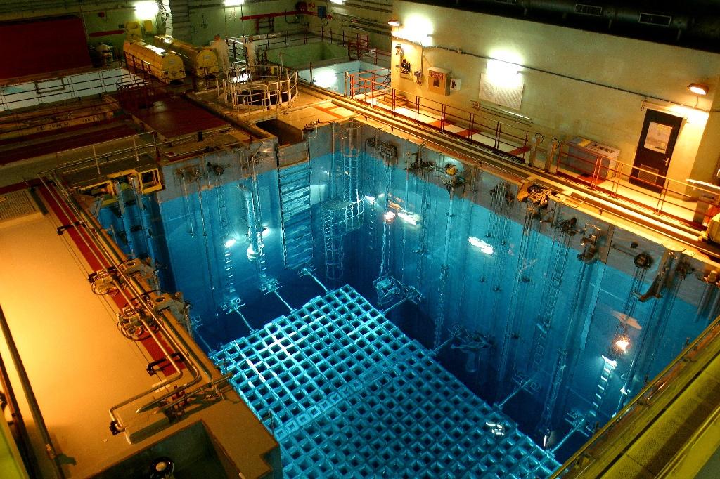 Risque terroriste les centrales nucl aires d 39 edf sous for Piscine nucleaire