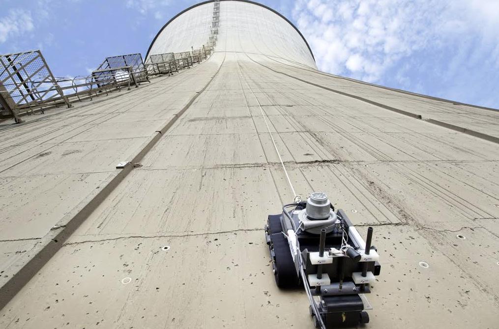 drone-grimpant-centrale-nucleaire-edf