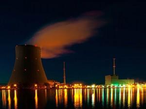 Nuclear_plant_night_Bjoern Schwarz