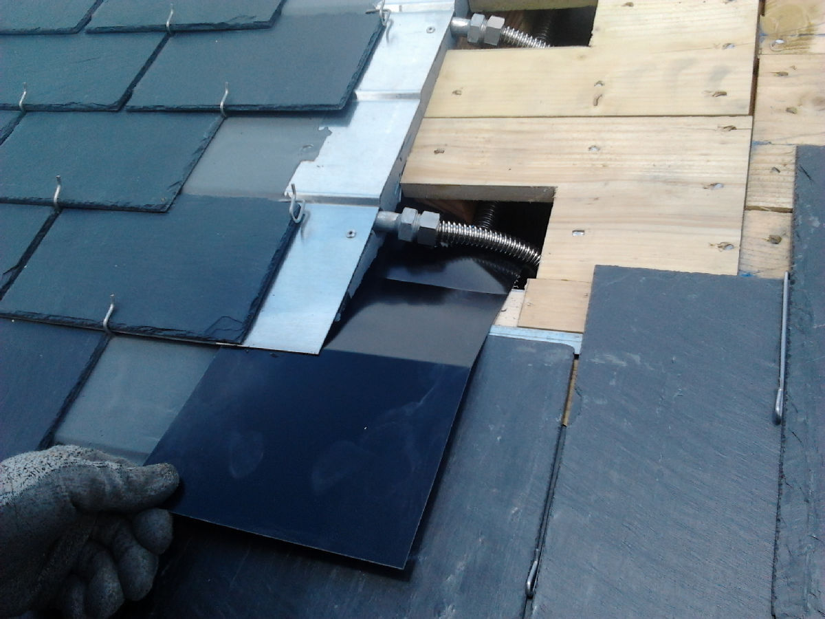 thermoslate un panneau solaire thermique en ardoise solaire novateur l 39 energeek. Black Bedroom Furniture Sets. Home Design Ideas