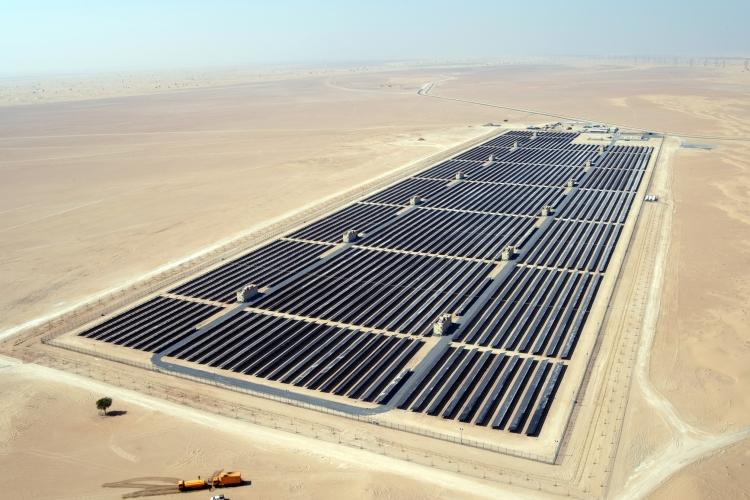 A Duba 239 Edf En S Associe Au Plus Grand Parc Solaire Du