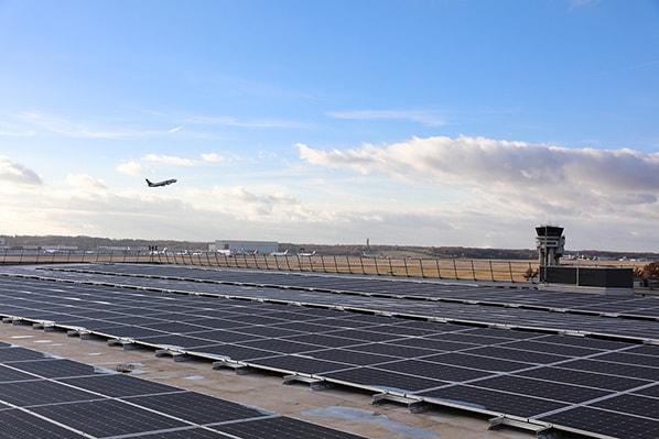 Toulouse-Blagnac-aeroport-panneaux-solaires