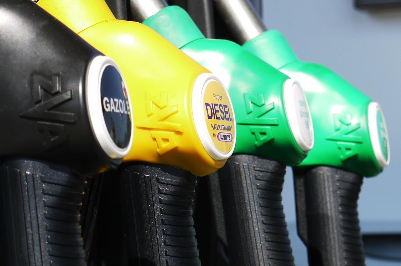 contribution-climat-energie-pompe-essence