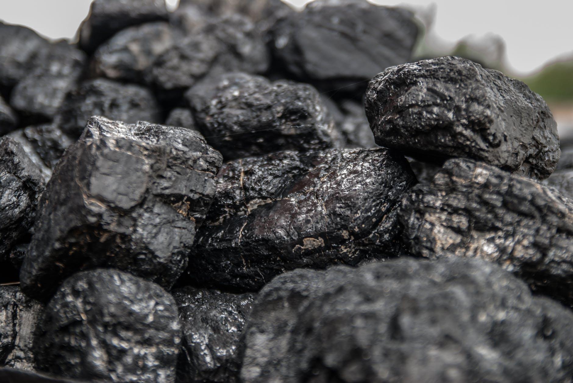 credit mutuel finance charbon - L'Energeek