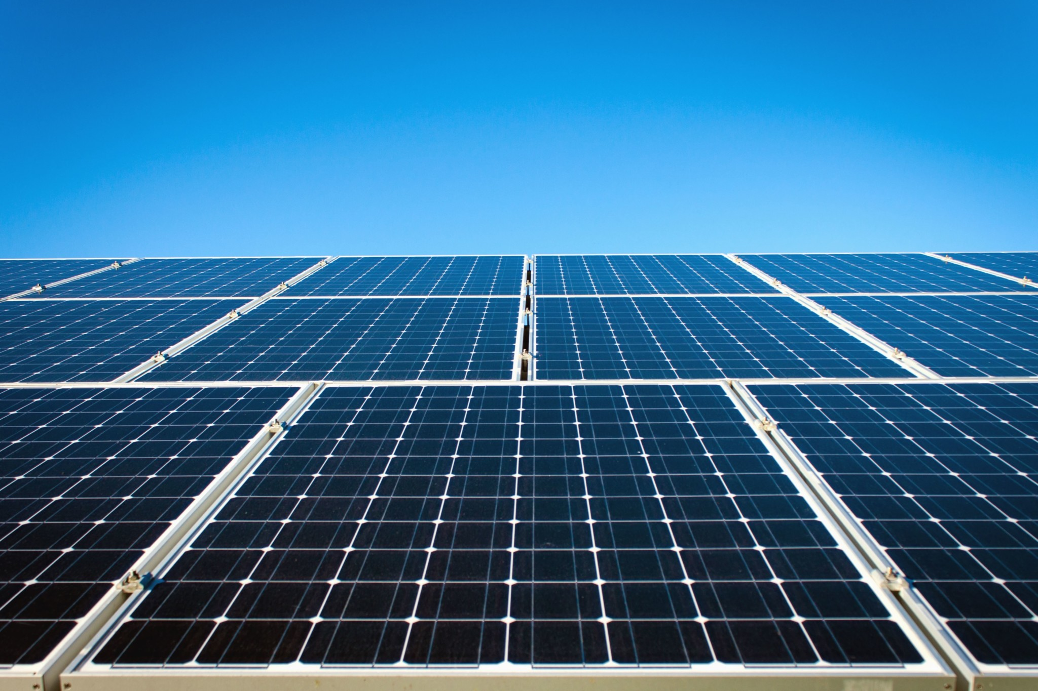nucleaire solaire eoliennes - Energeek