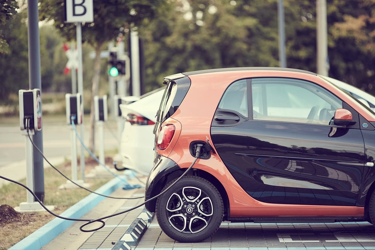 gouvernement italien veut mega usine batteries stellantis - L'Energeek