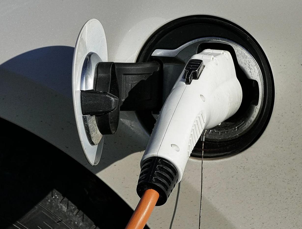 voiture electrique enedis recharge copropriete - L'Energeek